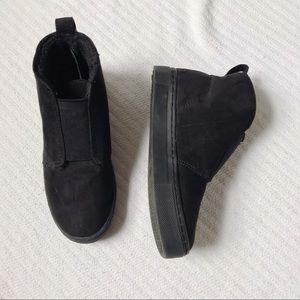 Black Pull On Bootie/Sneakers